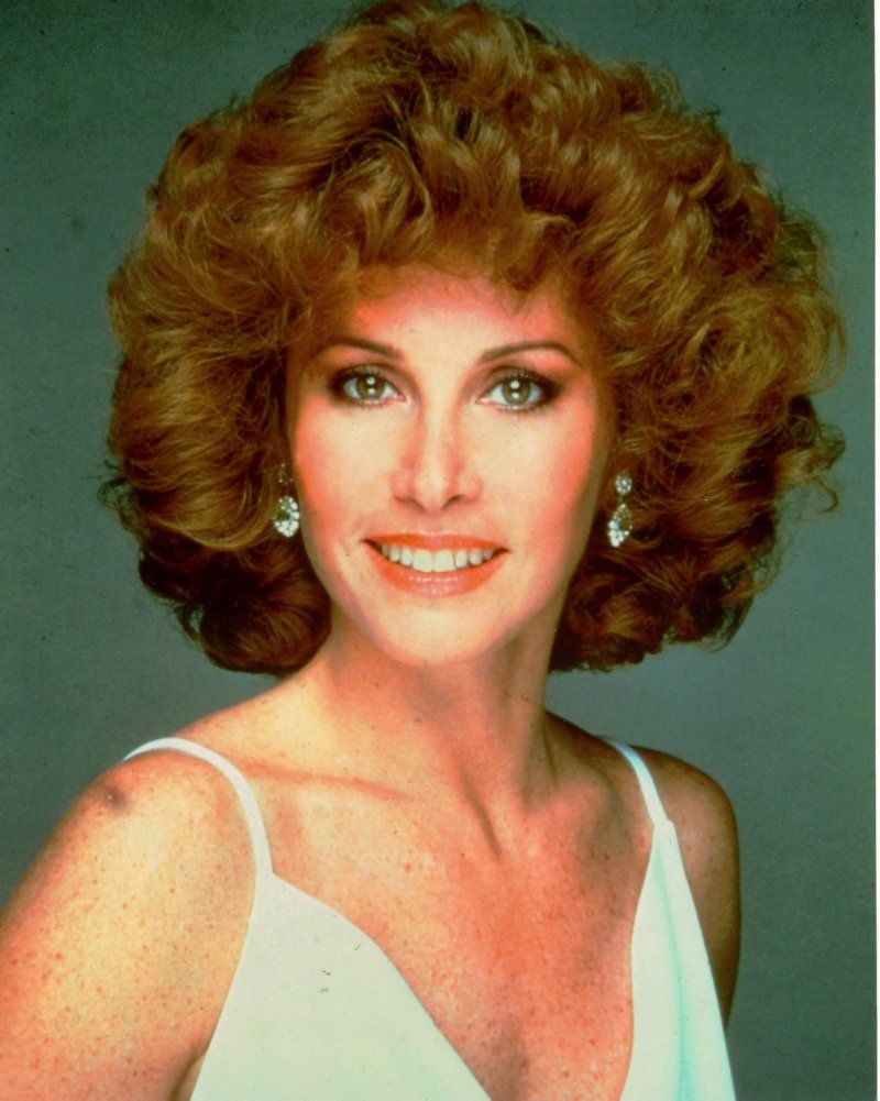 how to do hair like stefanie powers stefanie powers stephanie powers 80s hair hair styles
