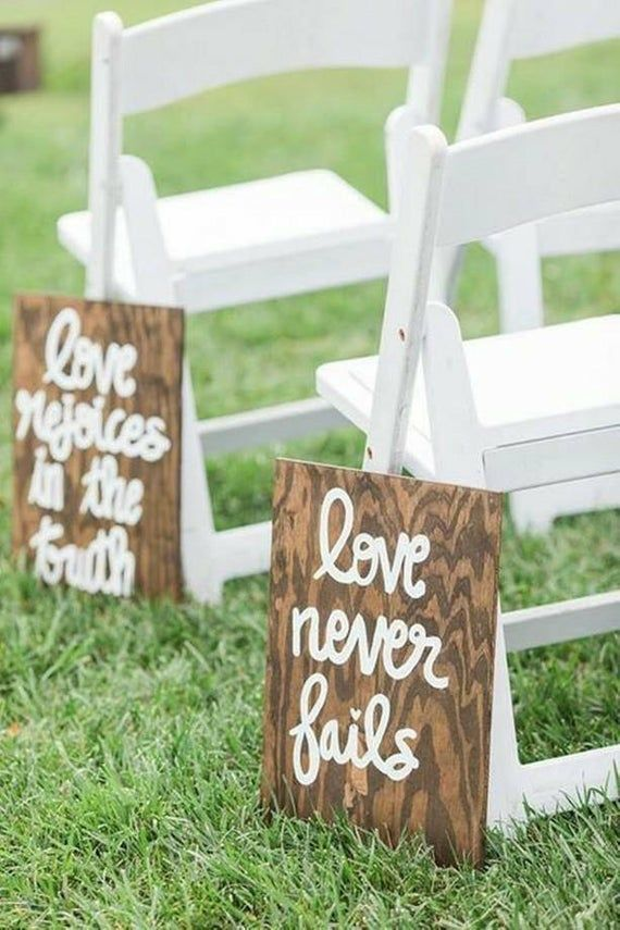 Set of 10 Wedding Aisle Signs, 1 Corinthians 13 Wedding Signs, Love is Patient, Love is Kind, Hand Painted Wood Wedding Signage, Love Signs #decorationeglise