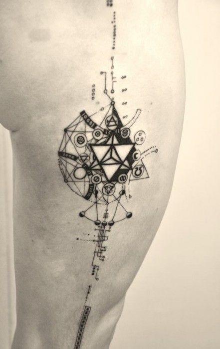 la ligne tattoo epure atelier marie roura pinterest ligne tatouage g om trique. Black Bedroom Furniture Sets. Home Design Ideas