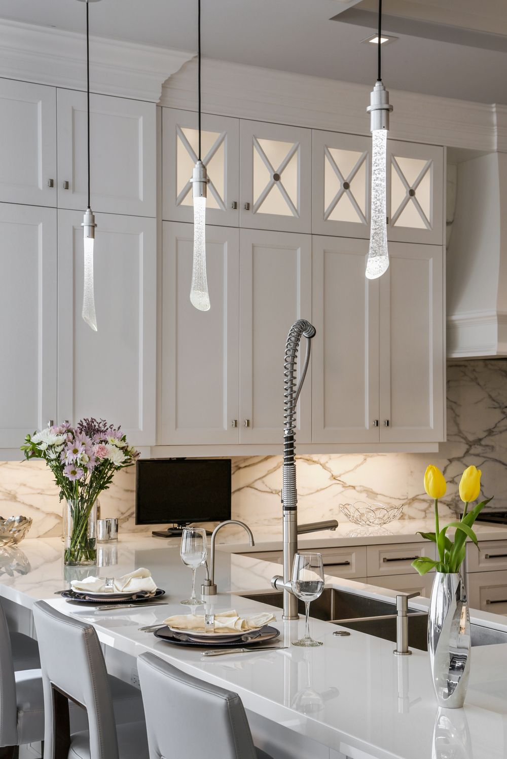 Your guide to ceiling pendants ceiling pendants and island lighting