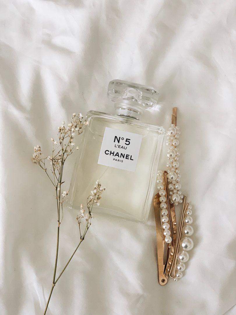 Chanel No 5 Cream Aesthetic White Aesthetic Beige Aesthetic Aesthetic white chanel wallpaper