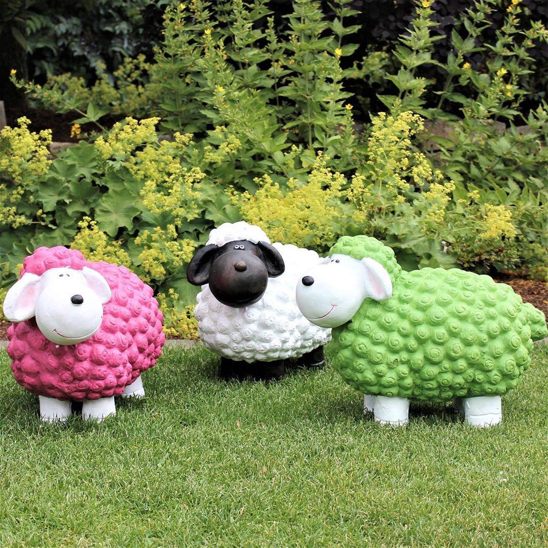 Unsere Sussen Gartenschafe Aus Fiberglas Sind Wieder Da In Pink Weiss Und Grun Findet Ihr Sie Aktuell Fur 19 95 In Unseren Markten Garten Design Design Idee