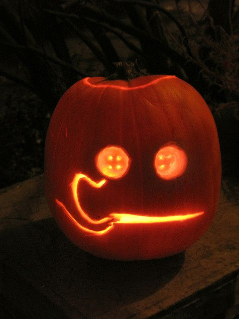 Halloween Jack O Lantern 09 Coraline Button Eyes Lit Halloween Pumpkin Designs Pumpkin Carving Pumkin Carving