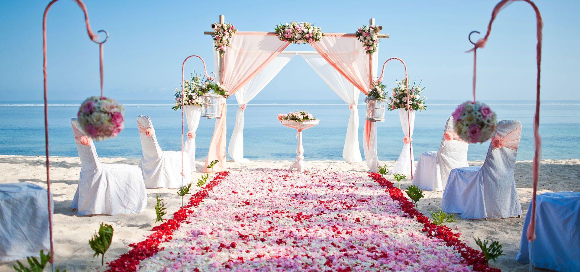 Best beach wedding decoration in kuta bali indonesian wedding best beach wedding decoration in kuta bali indonesian junglespirit Choice Image