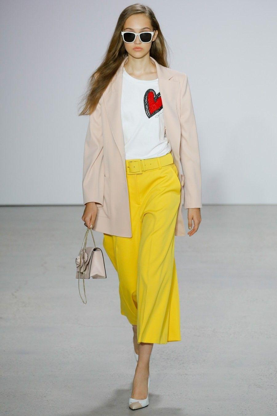 Oscar de la Renta Spring 2018 Ready-to-Wear Fashion Show - Mariacarla Boscono