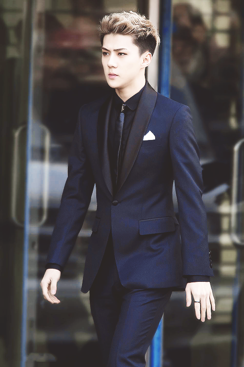 12 Male Idols That Look Ridiculously Good In Suits Maknae Edition Allkpop Com Sehun Exo Exo Sehun