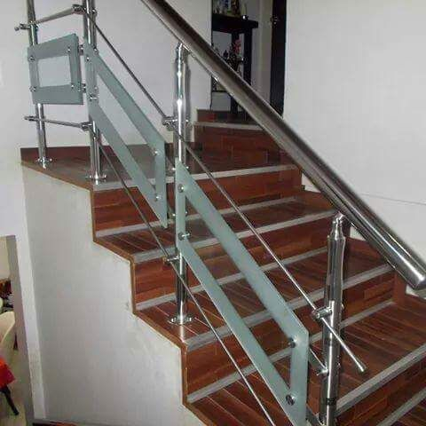 3 Reasons to Love Glass Stairs Lovely - Futuredesign77.com ...