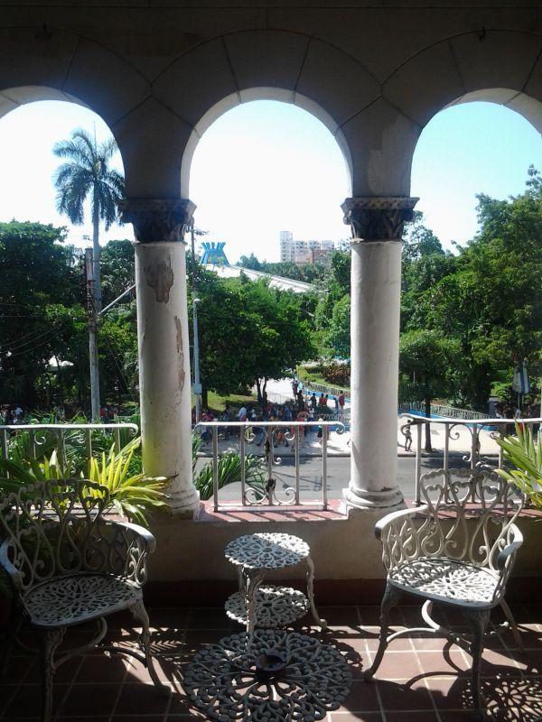 Casa Particular Com La Terraza De La Habana Havana S Terrace Vedado Havana Cuba Caribbean Culture Havana Cuba