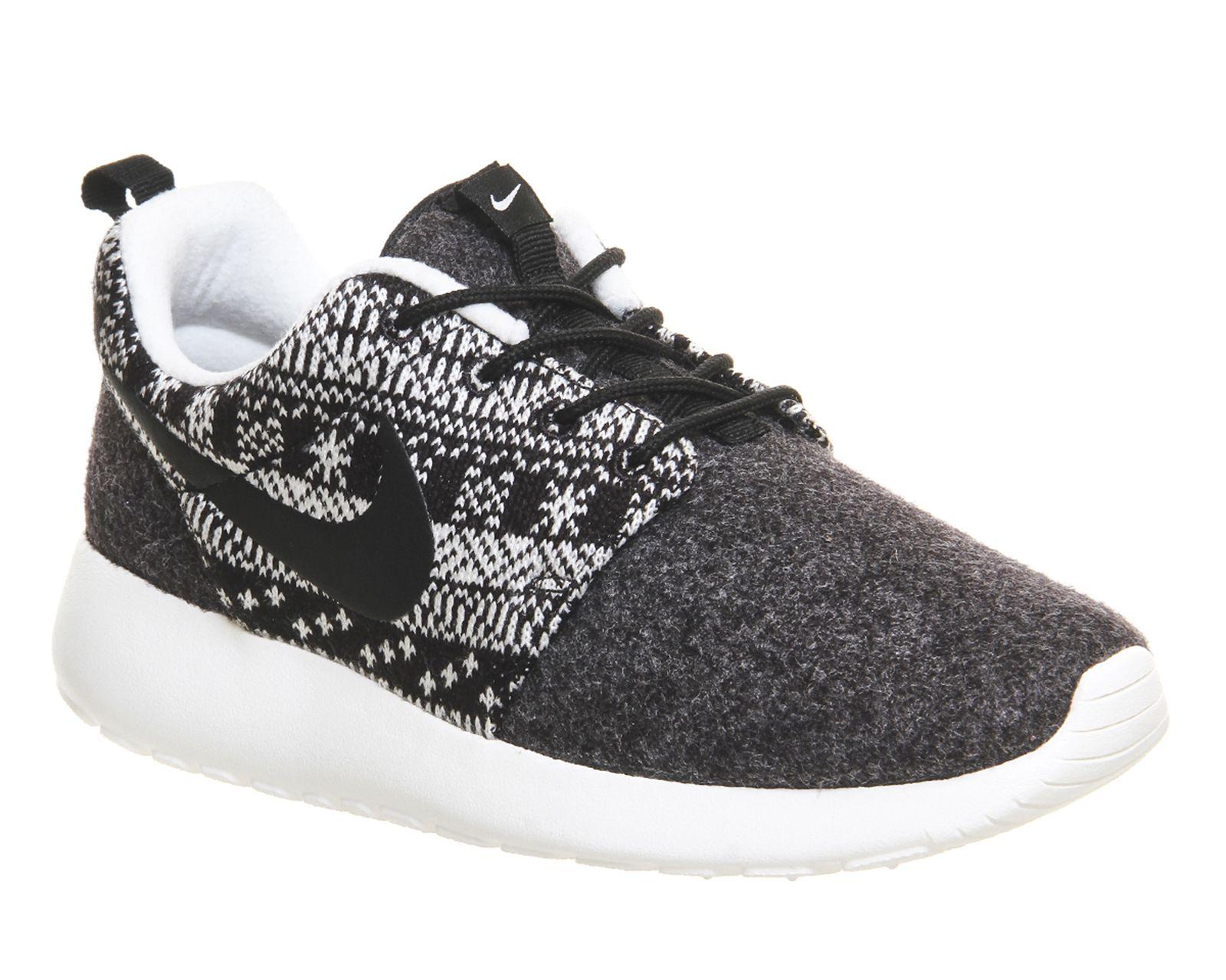 Nike – Roshe Run – Black Sail One Winter
