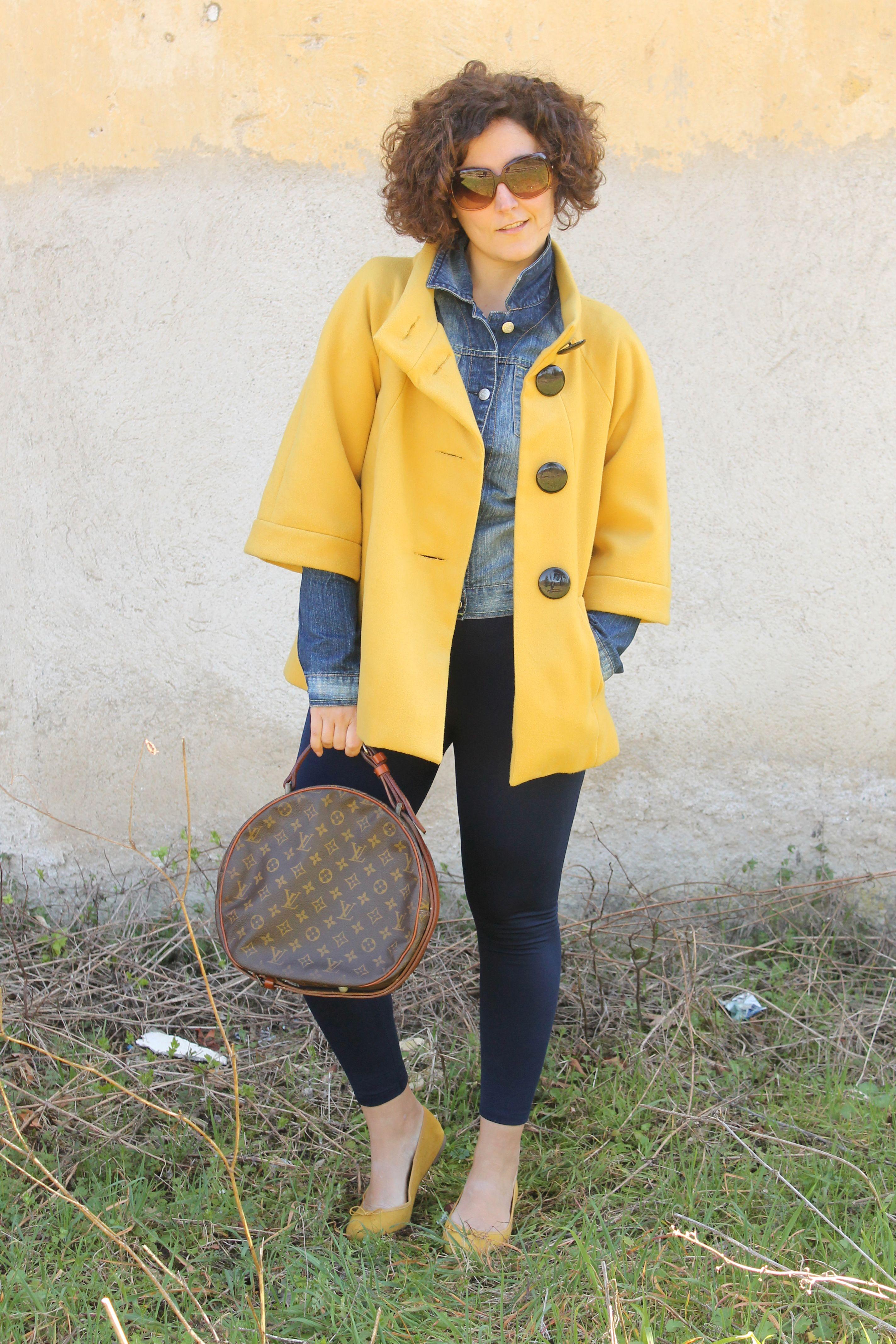yellow coat curvy vintage blog