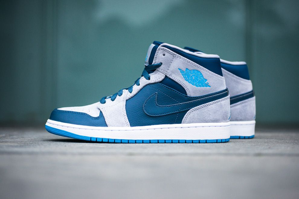 air jordan 1 mid black dark powder blue\/white\/black\/wolf grey