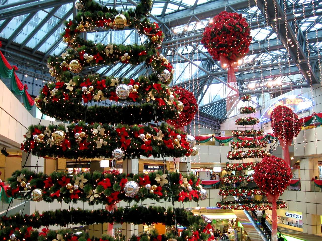 suspended holiday mall decors - Recherche Google | Inspiration de ...