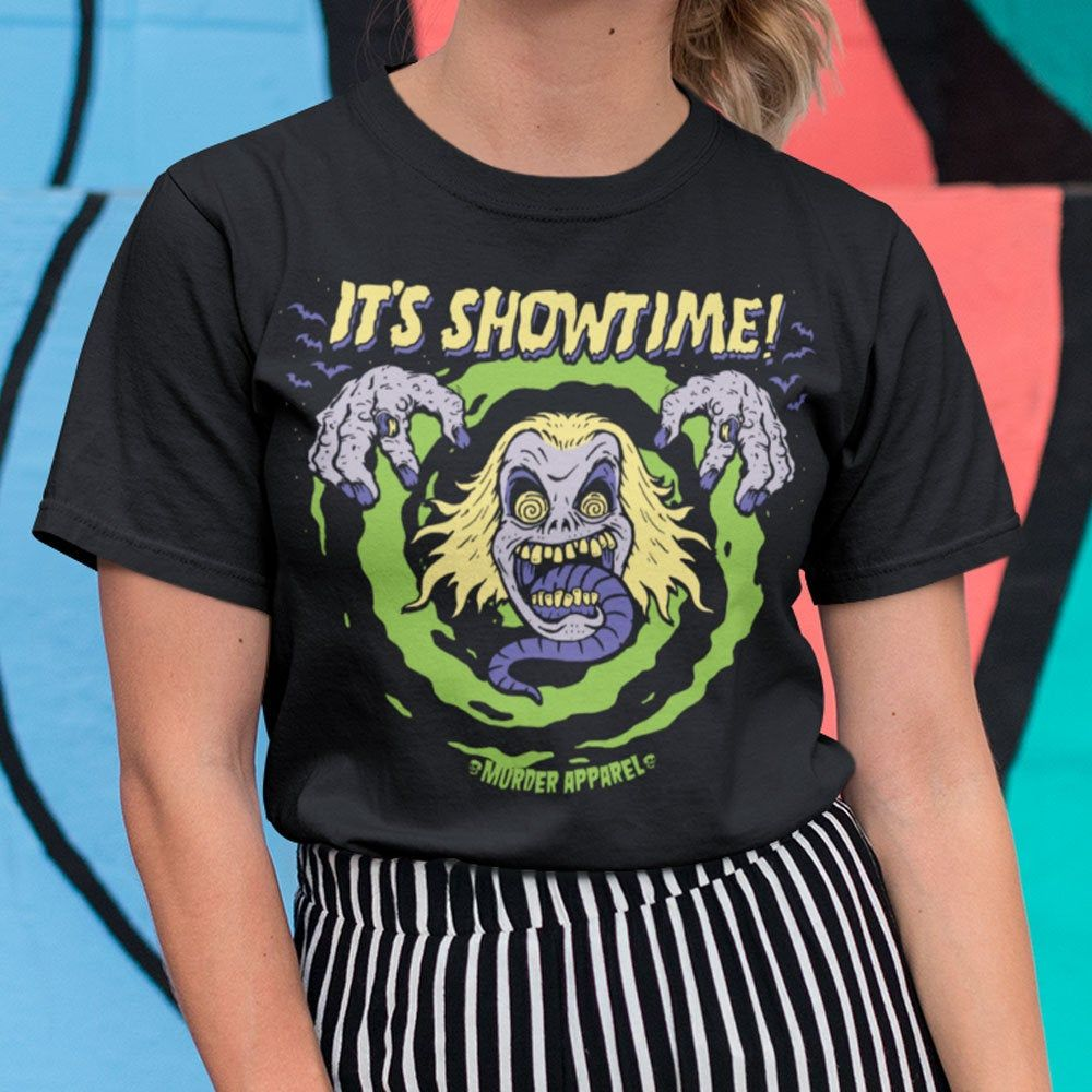 Beetlejuice It S Showtime Vintage Horror T Shirt Etsy Beetlejuice Outfits Horror Shirts Horror Clothes