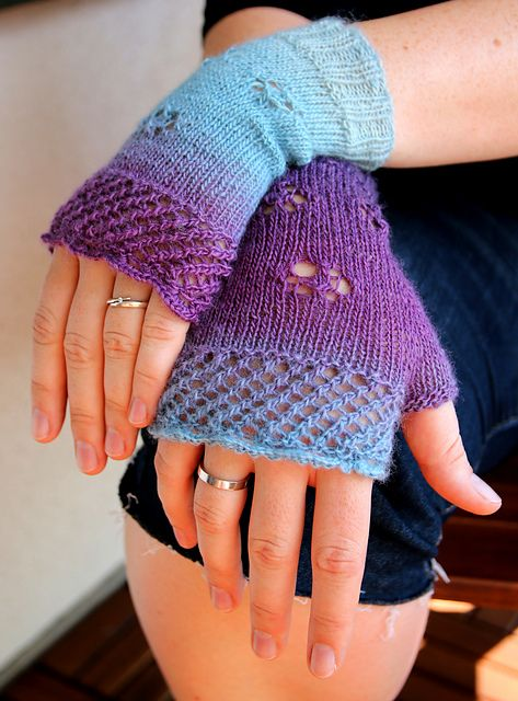 In Bloom fingerless mittens pattern by Doreen Blask ...