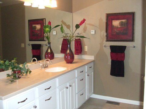 bathroom ideas like the towel - Bathroom Accessories Color Ideas