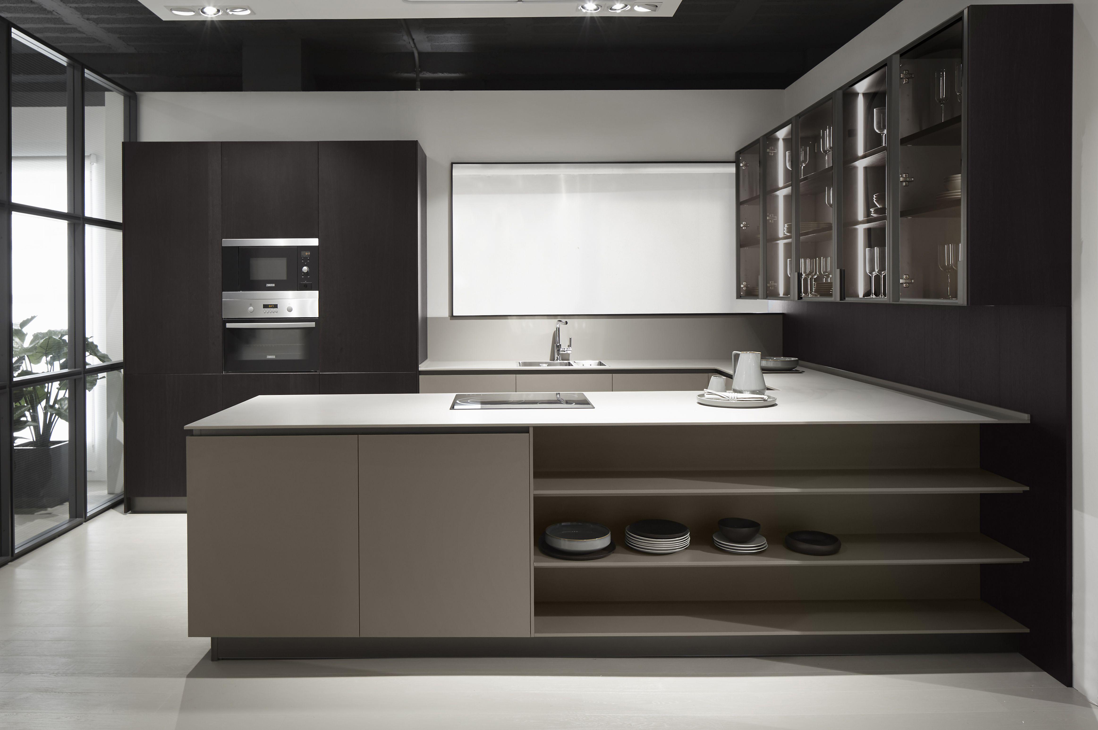 Cocina práctica y moderna con este diseño en forma de U. Perfecta ...