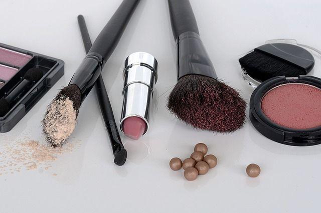 Metale ciężkie, związki siarczany, ftalany i parabeny czyhają praktycznie w każdej łazience i mogą powodować nawet raka! Jak kosmetyki wpływają na zdrowie?