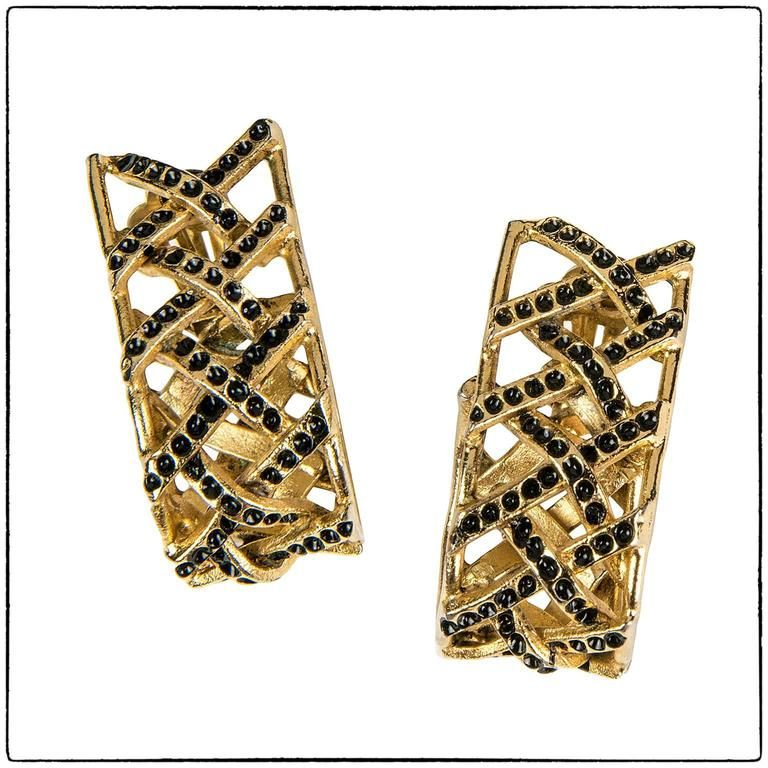 474831bd68c Vintage Ugo Correani gold tone earrings, 1980 made in Italy ...