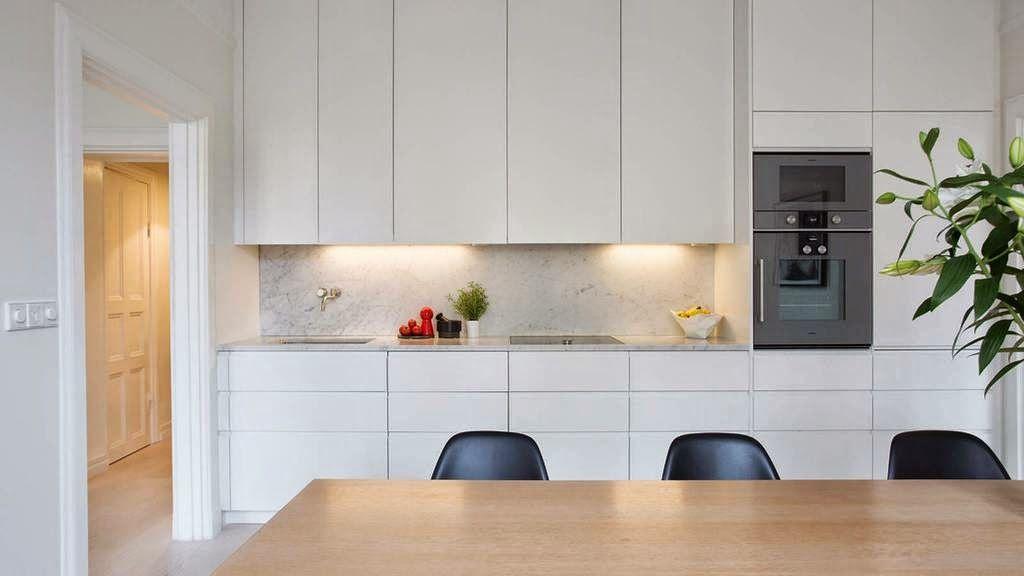 Esta cocina lineal con una longitud que no llega a los 4 for Cocina 3 metros lineales