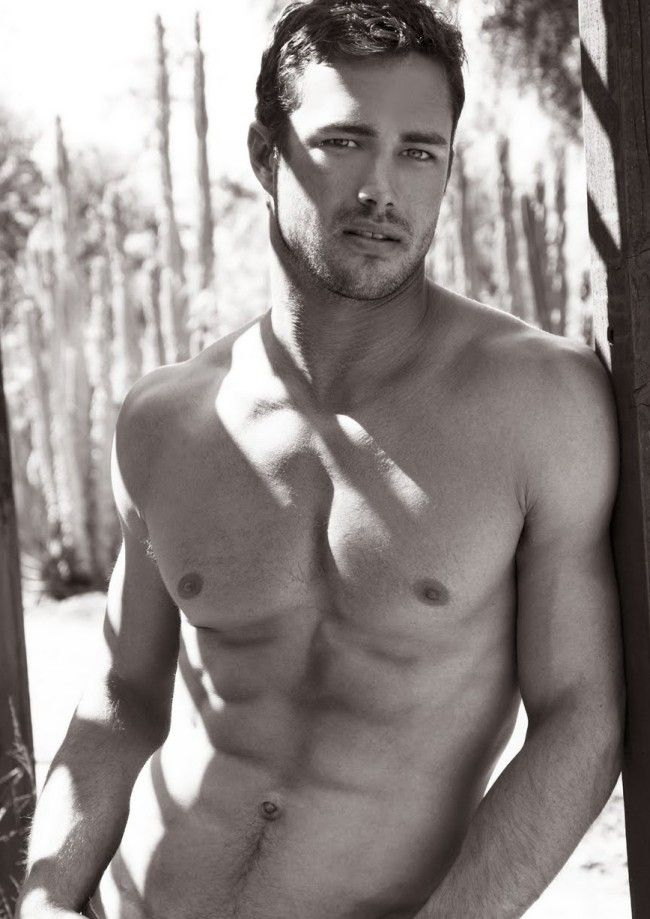 taylor kinney interview