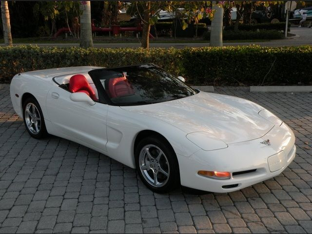 2003 Chevrolet Corvette Convertible Speedway White With Torch Red