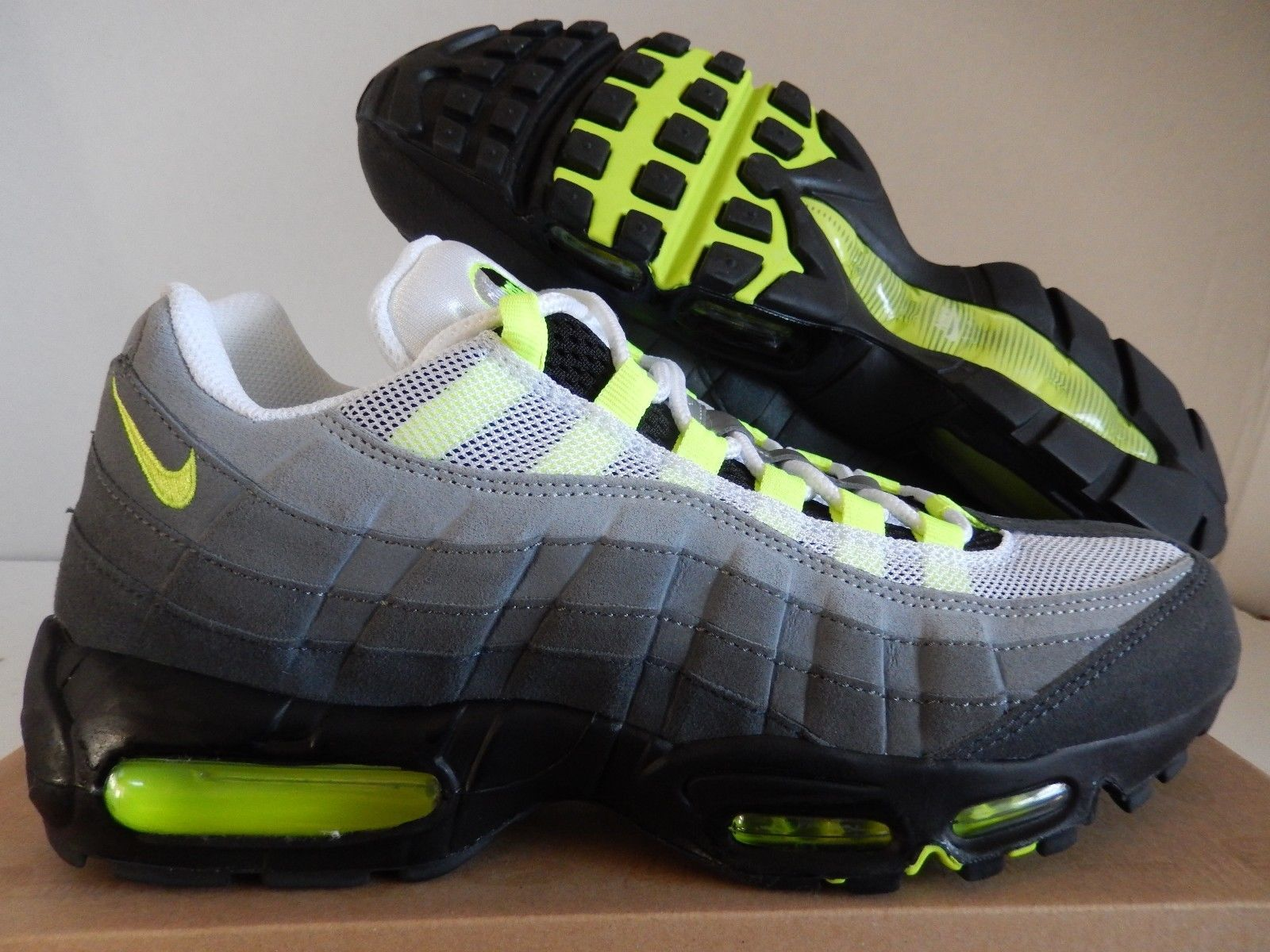 ac2dd6e4ae NIKE AIR MAX 95 OG WHITE-NEON YELLOW-BLACK-ANTHRACITE SZ 10 RARE!  [554970-174]