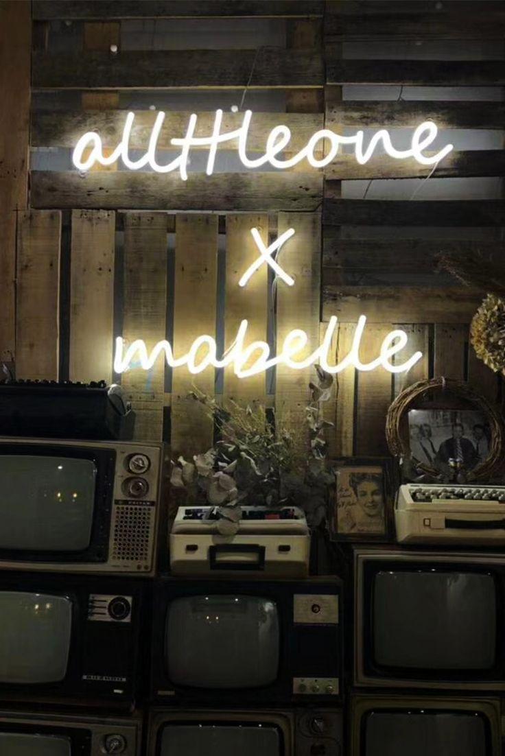 Neon Signs, Neon Signs Wedding, Neon Sign Aesthetic, Neon Signs Bedroom,  Neon