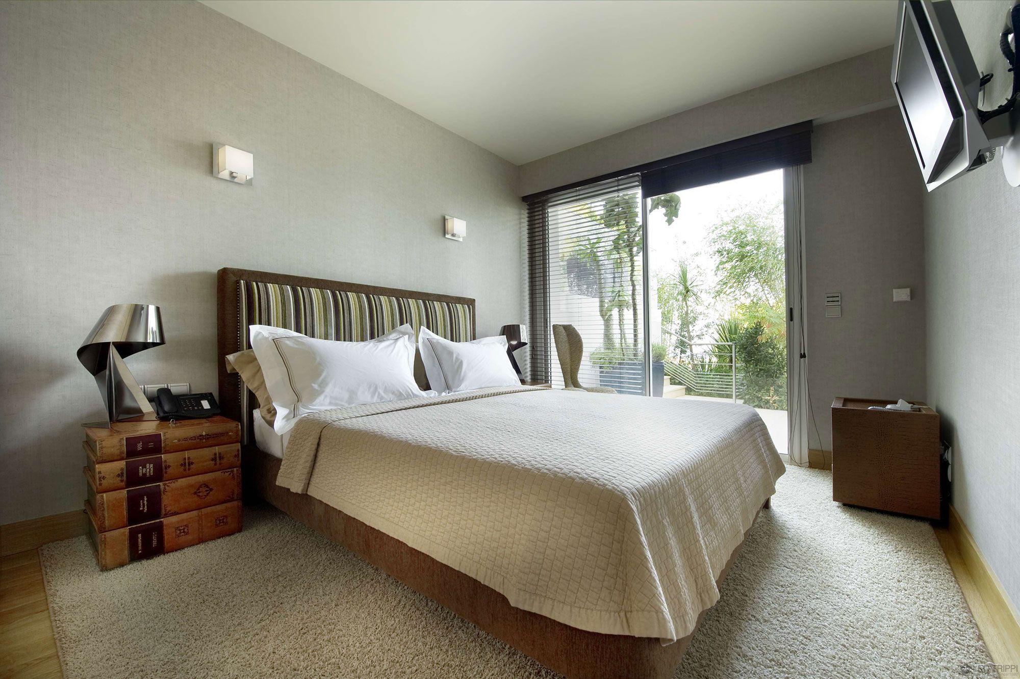 Best Rectangular Master Bedroom Layout Ideas 400 x 300