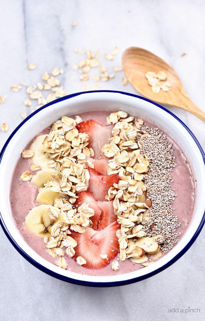 Strawberry Banana Smoothie Bowl #strawberrybananasmoothie