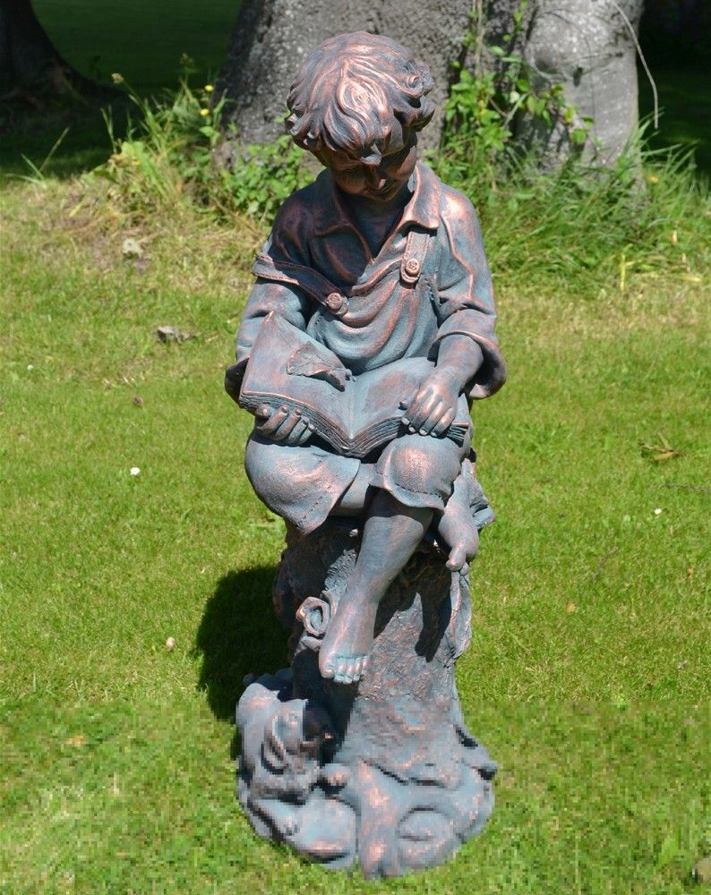 Arthur Statue Sit Nicely Amongst A Mature Garden. Weathered Bronze Finish A  Really Elegant Addition To Garden.Made From Resin.