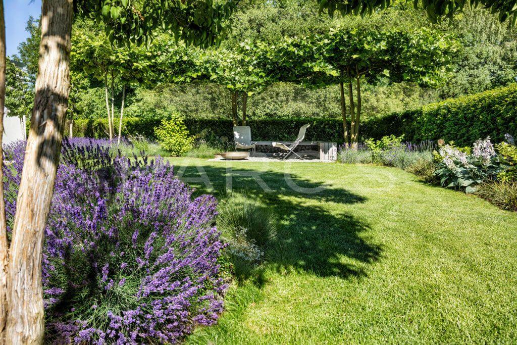 Stimmungsvoller Privatgarten Parc S Gartengestaltung Gmbh In 2020 Privatgarten Garten Gartengestaltung