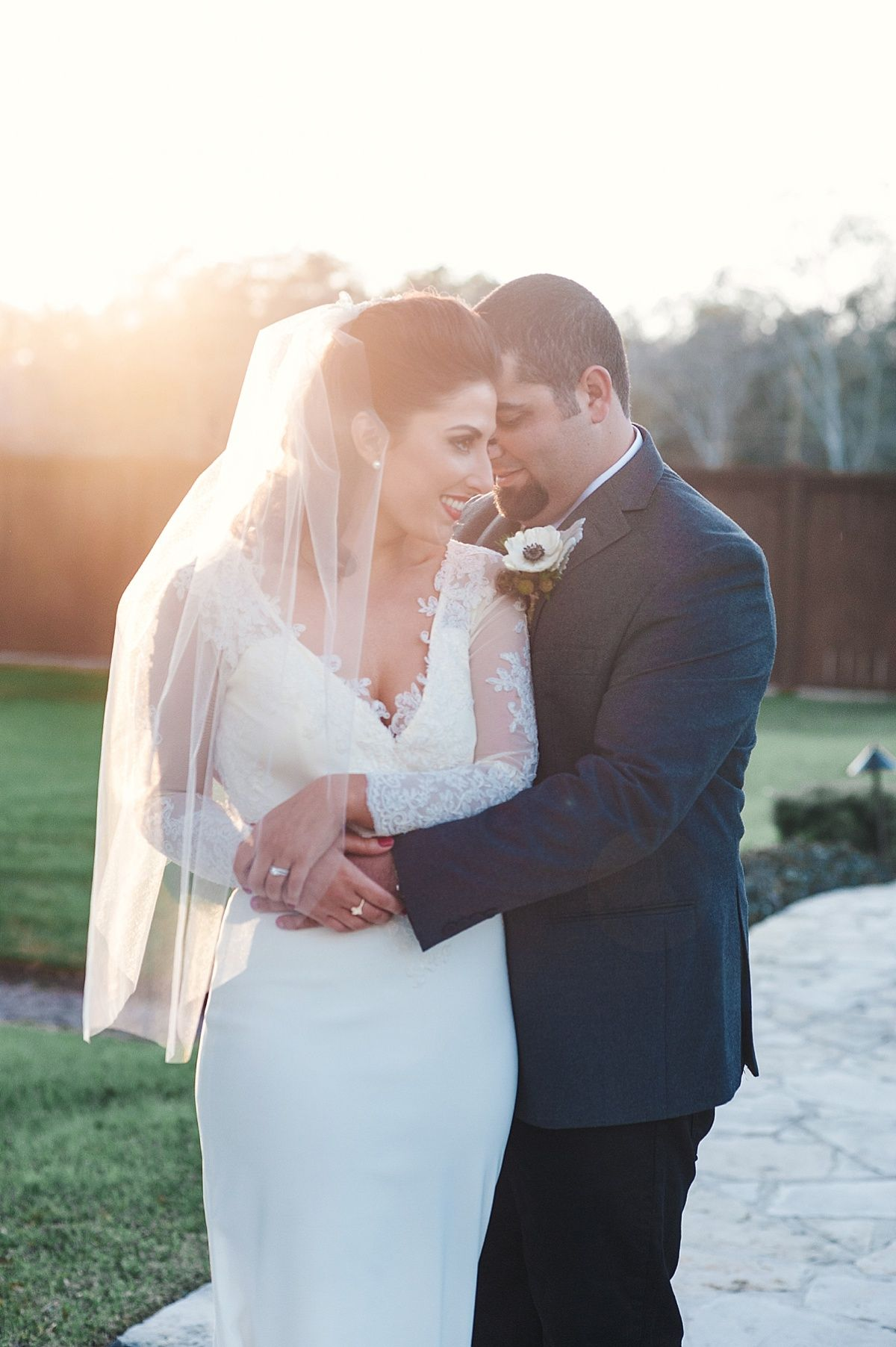 Adorable Wedding Photo Ideas | Photo: Lindsay Elizabeth Photography | Venue: The Springs Events