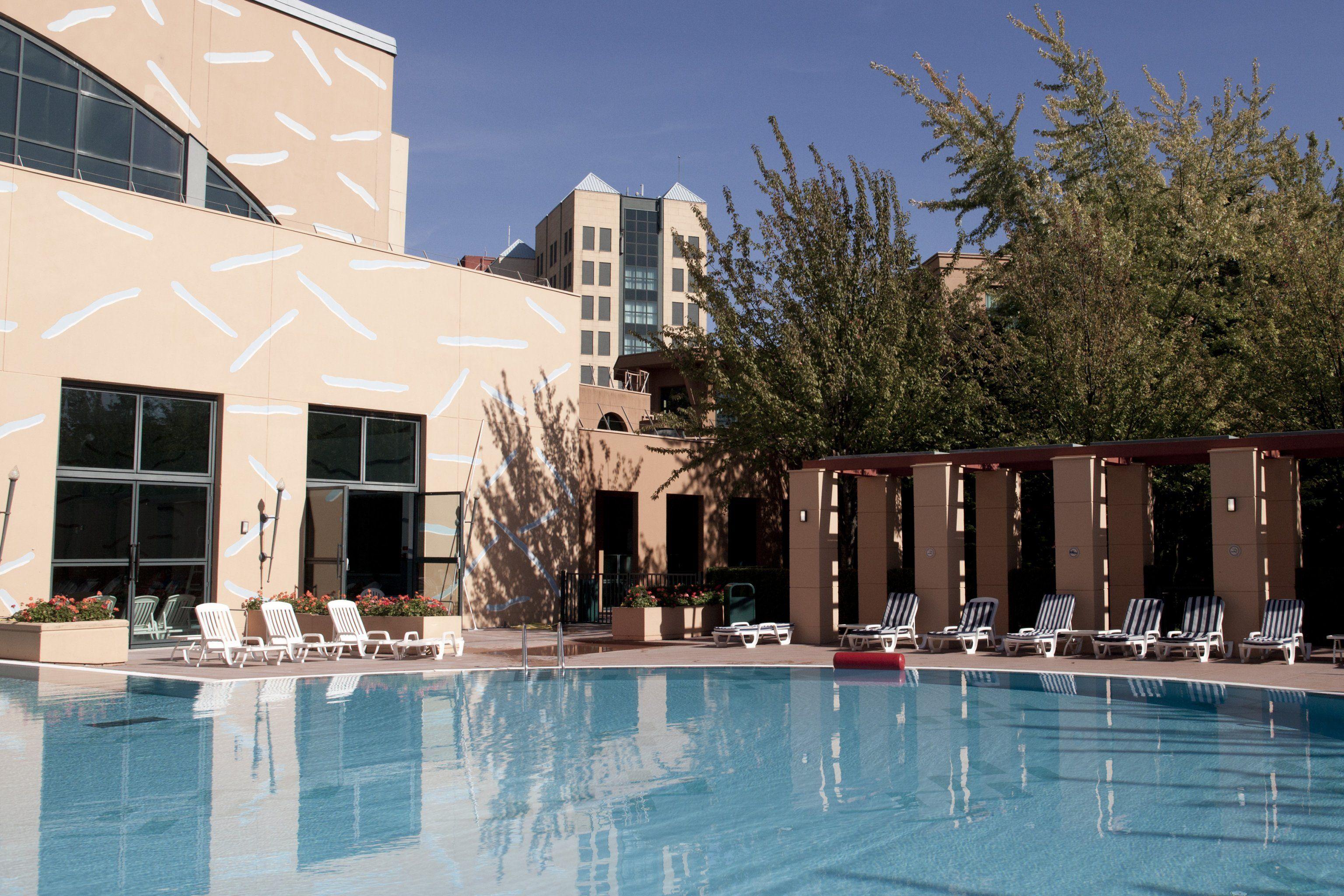 Disney Hotels Hotel New York Outdoor Pool Disneyland Paris
