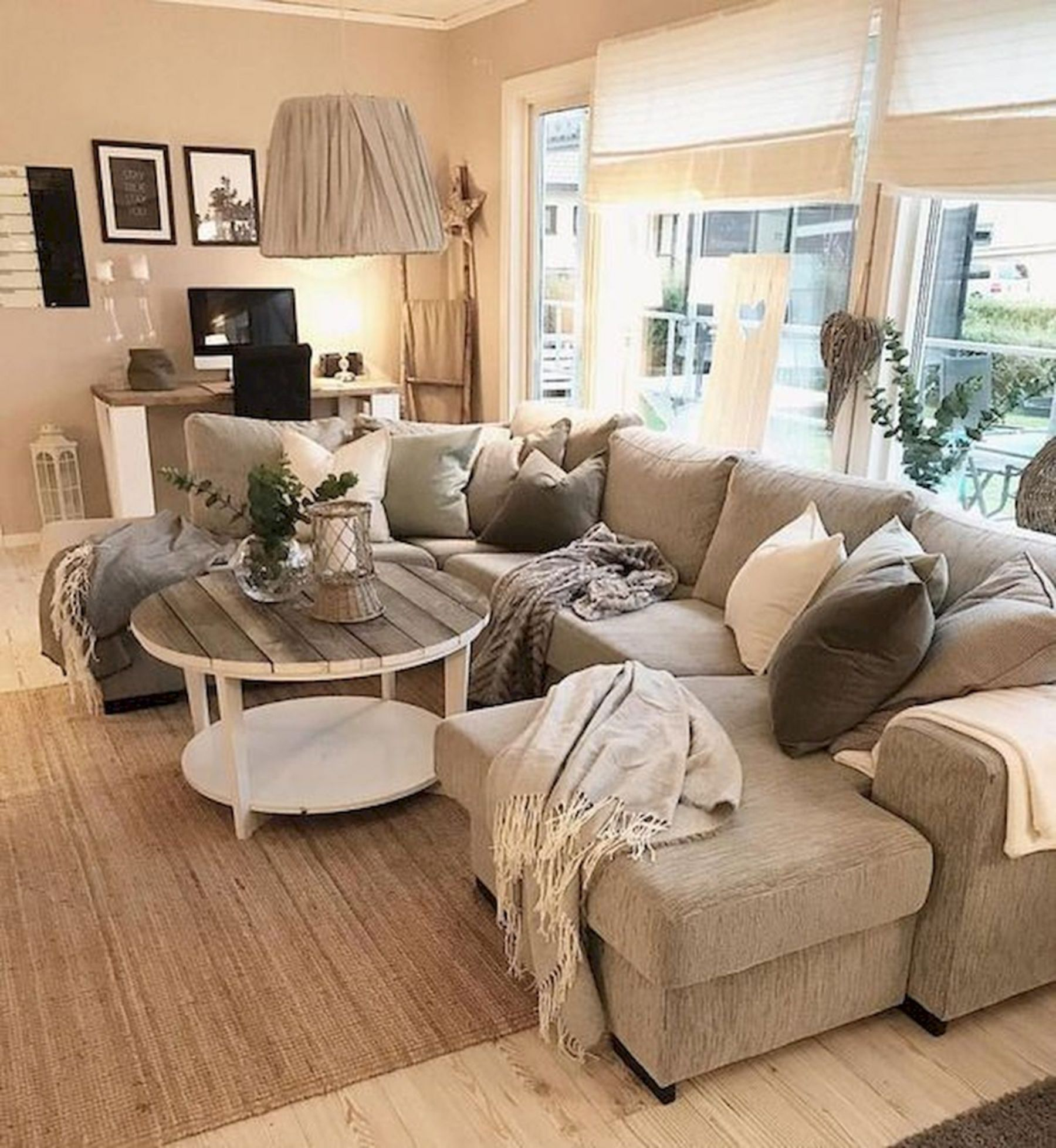 12 Simple and Easy Farmhouse Living Room Decoration Ideas ...
