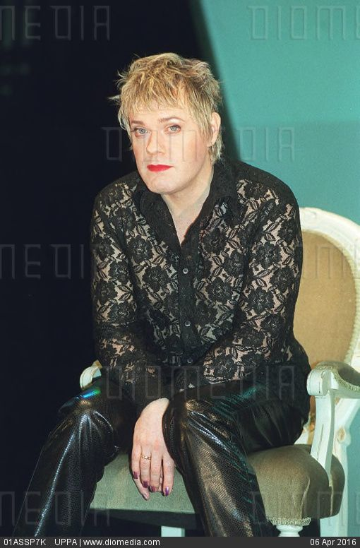 Consider, eddie comedian transvestite british apologise