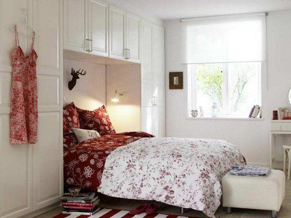 deco-petite-chambre-rouge-blanc-accents Chambre à coucher