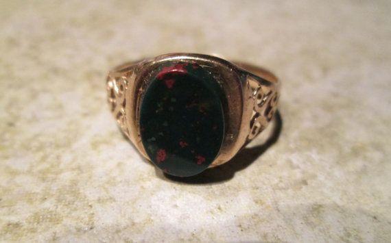 Vintage 9ct Gold Oval Shaped Bloodstone by SeaSirensArtGallery