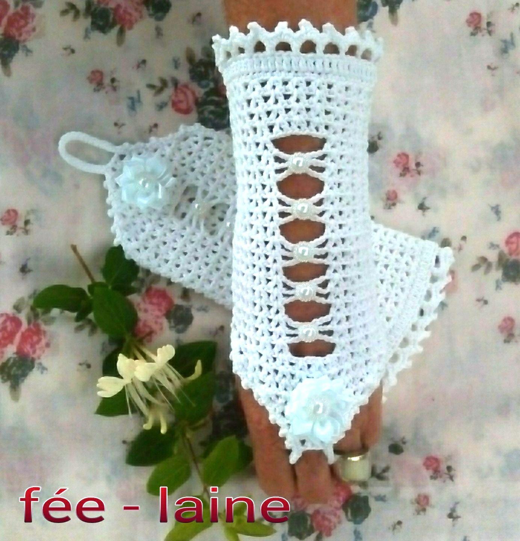 Très jolies manchettes blanches au crochet pour mariée : Mitaines ...