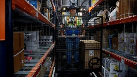 Amazon opening fulfillment centre in Caledon, Ont