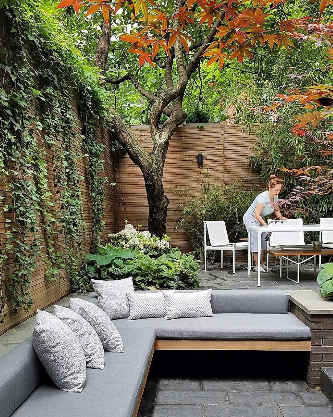 22 Marvelous Winter Garden Design For Small Backyard Landscaping Ideas — TERACEE - Elaine
