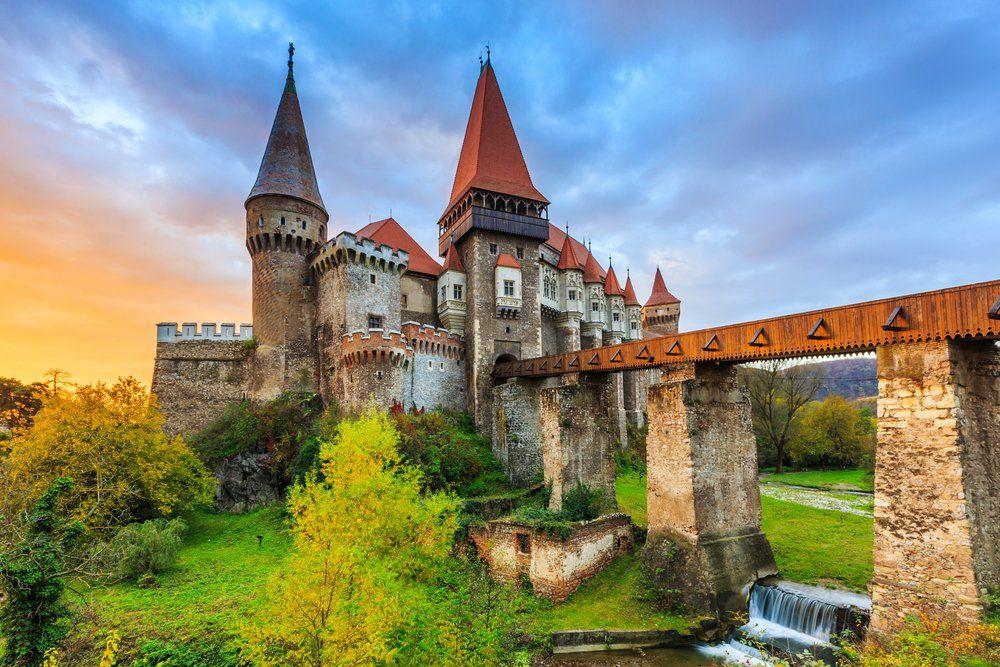 12 châteaux en Europe qui vont vous donner envie de faire vos valises et de partir les découvrir