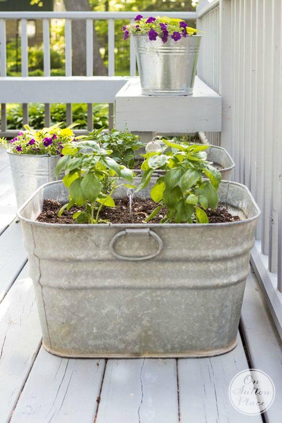 Vintage Galvanized Wash Tub Herb Garden On Sutton Place Container Herb Garden Garden Containers Galvanized Wash Tub