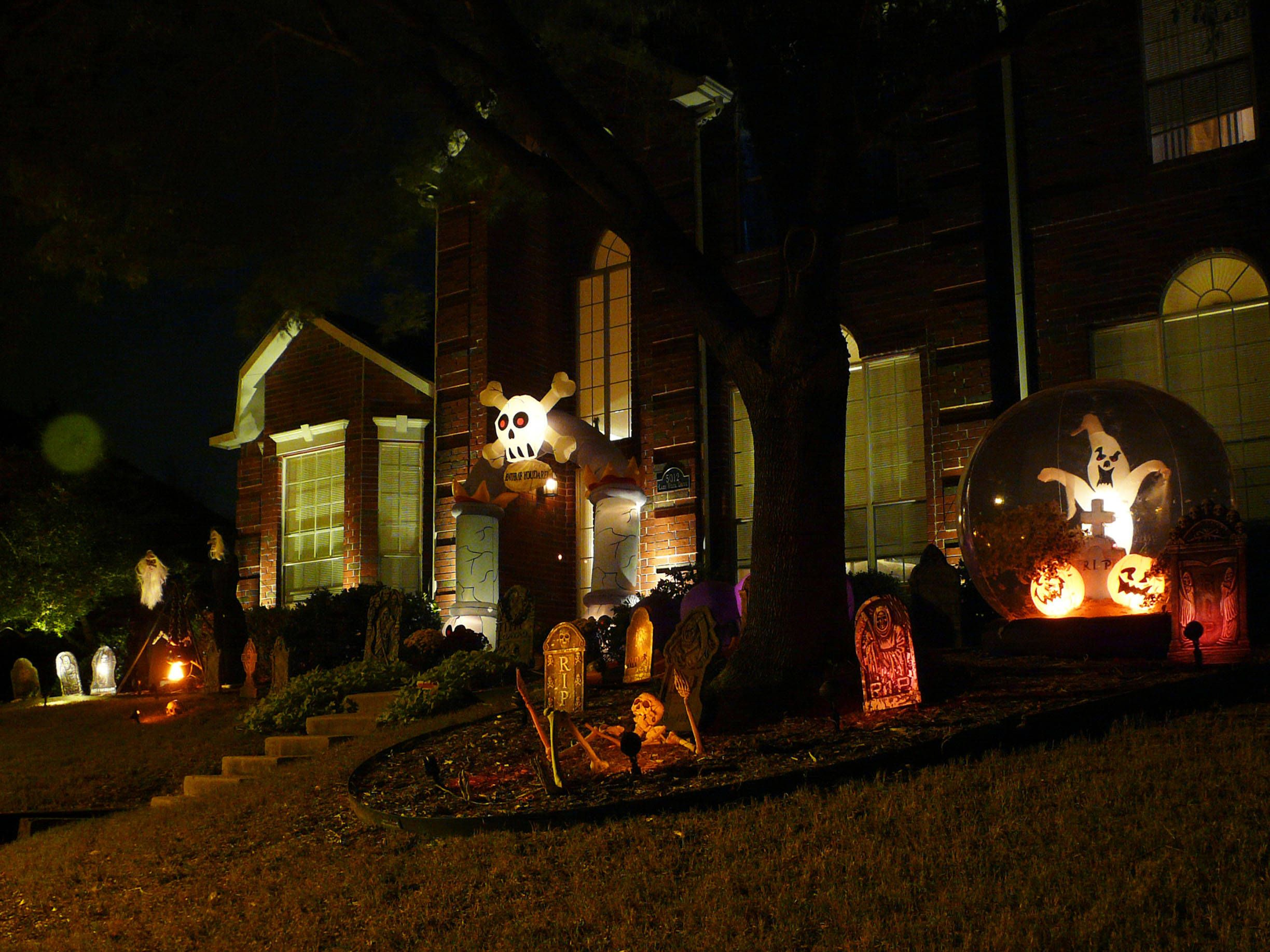 outdoor halloween decorations texas reader submissions show us your outdoor - Outdoor Halloween Party