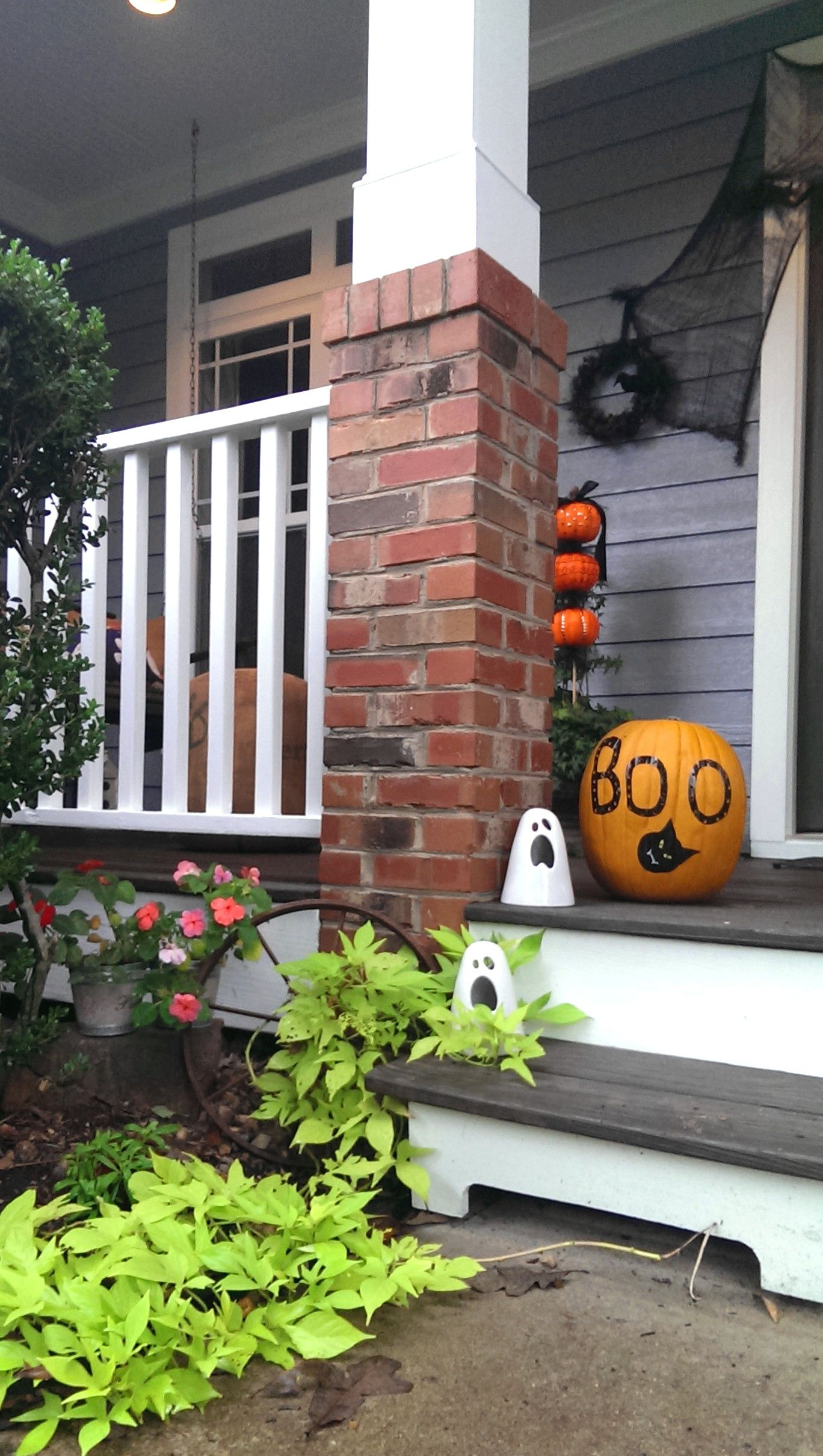 Halloween porch idea