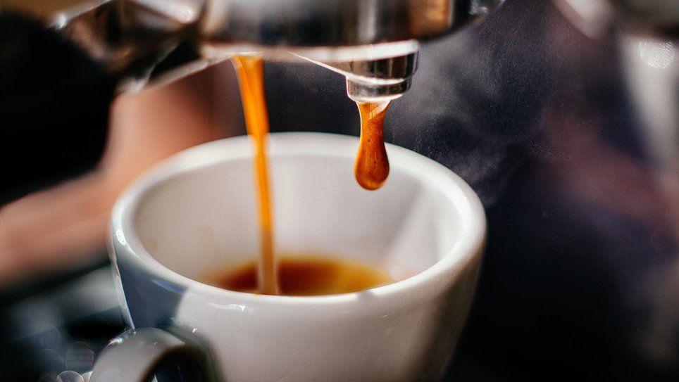Best Luxury Coffee Makers Departures In 2020 Kitchen Aid Coffee Maker Cold Brew Coffee Maker How To Order Coffee