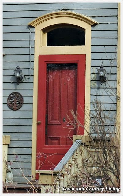 Town and Country Living: Flirtatious Front Doors