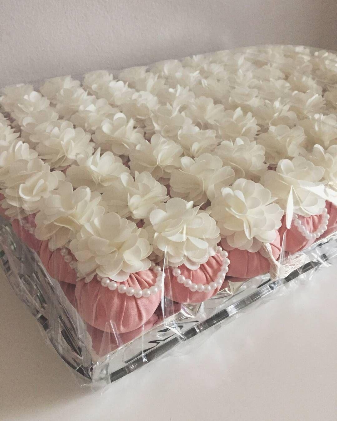 متجر لافنتـــــا On Instagram توزيعات المسك استقبال حفلات مناسبات مواليد تخرج مدارس السعودية الإمارات ا Wedding Gift Baskets Wedding Gift Boxes Candy Gifts