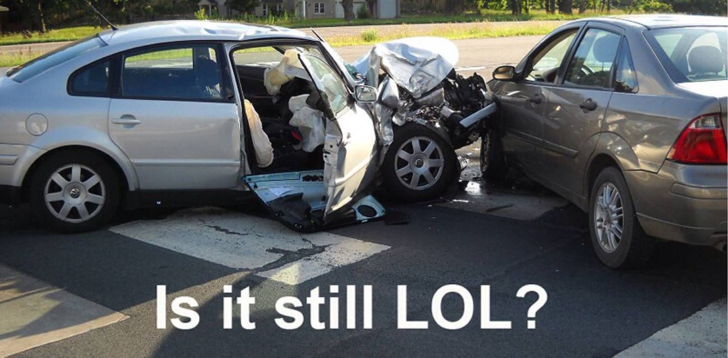 Image Result For Images Of Don T Text And Drive Crash Distracted Driving Motor Car Dont Text And Drive