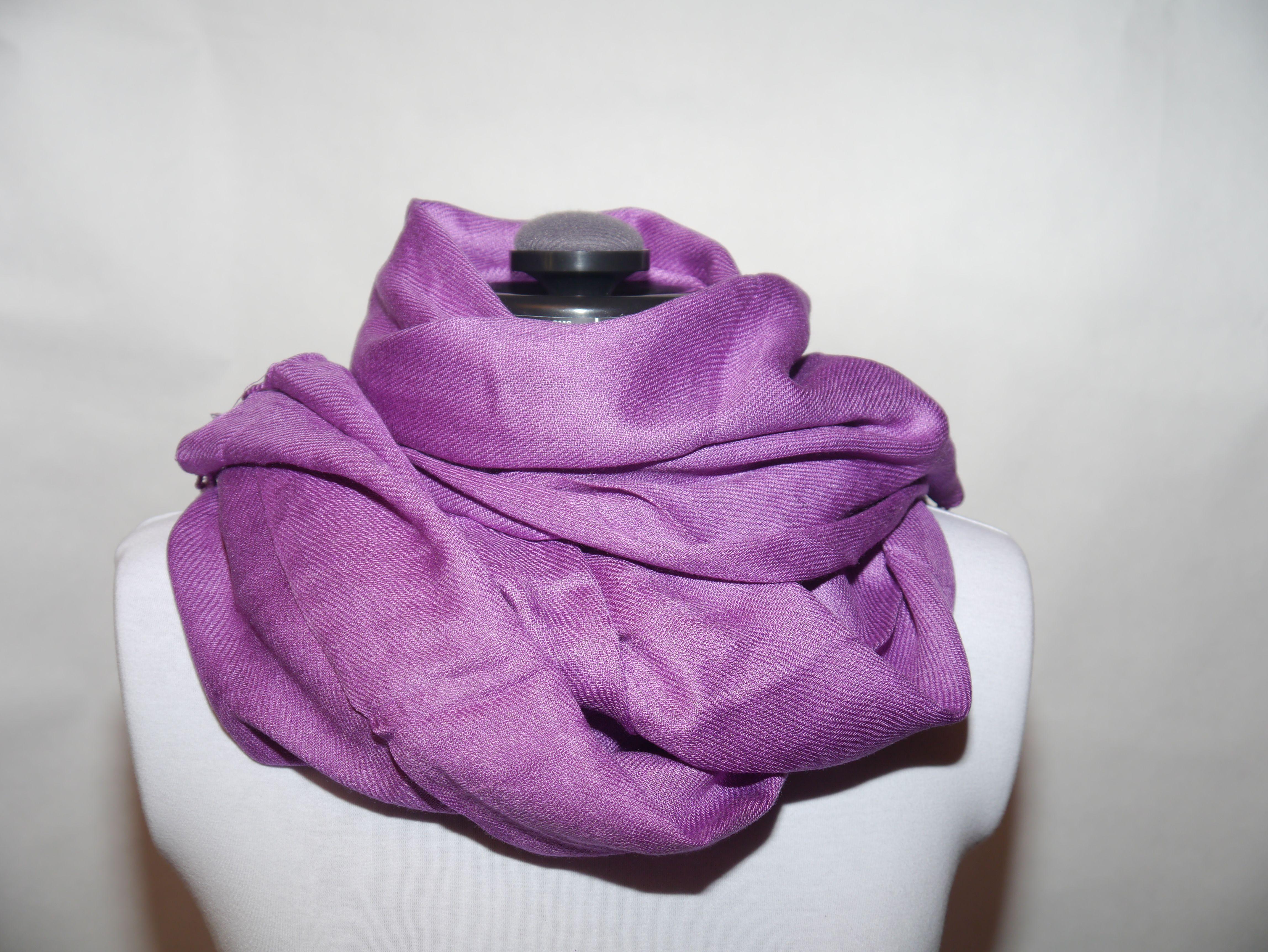 Viskossjal lila 199:- @ http://decult.se/store/products/viskos-sjal-lila