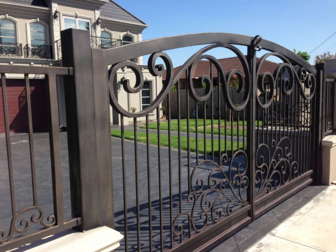 48 Steel Gate Design Idea Is Perfect For Your Home Iron Gate Design Wrought Iron Driveway Gates Wrought Iron Gate Designs